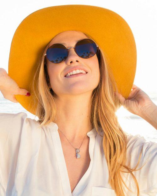 colgante de plata sostenible con calcedonia-colgante gafas-NEHCAA Jewelry