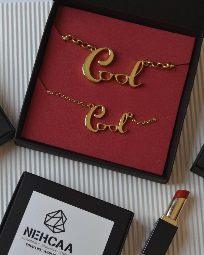 Colgante soy COOL Decidida by Alejanda Castelló con NEHCAA Jewelry