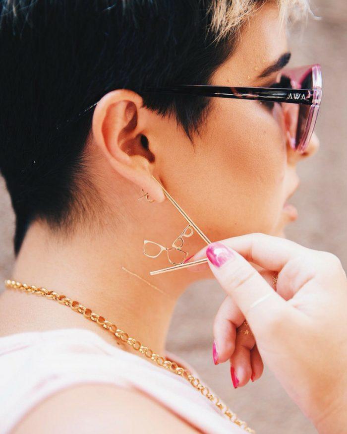 Pendientes gafas soy Rebelde by Alejandra Castello con NEHCAA