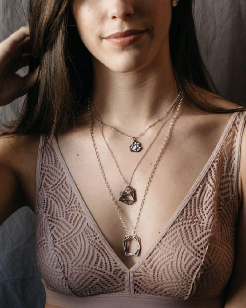 Collar de oro negro Linda_Plata Sostenible_NEHCAA Jewelry