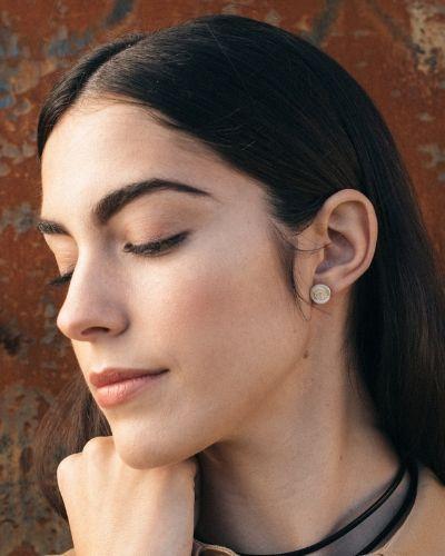 Pendientes de plata sostenible Mónica_Fairmined_NEHCAA Jewelry