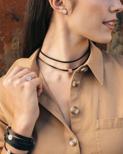 Choker de plata sostenible Charo NEHCAA Jewelry_modelo