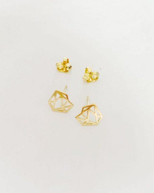 Pendientes-diamante-chapado-en-oro_Estrella_Luz_de_Nehca_Detalle