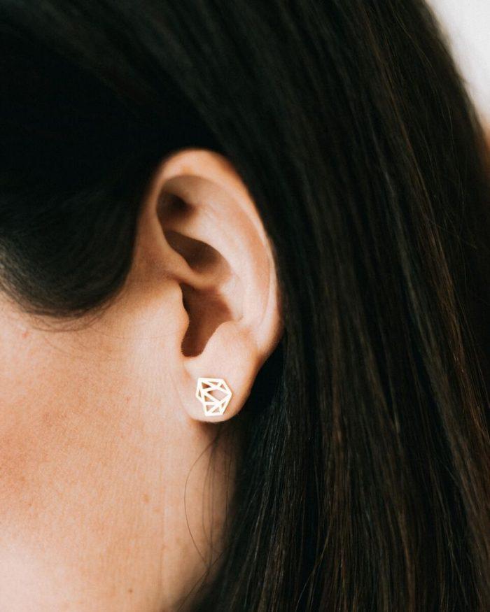 Pendientes_diamante_de_plata_Irene_Luz_de_Nehca_modelo